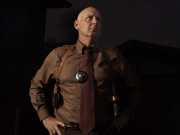 JUSTIFIED: Nick Searcyas Art Mullen. CR: Mark Seliger / FX