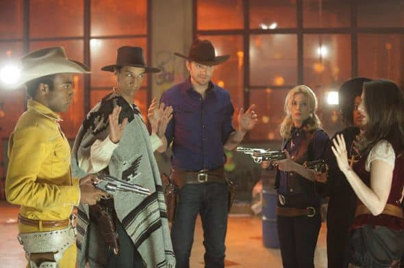 Community Season 2 Episode 23 A Fist Full Of Paintballs 15 327