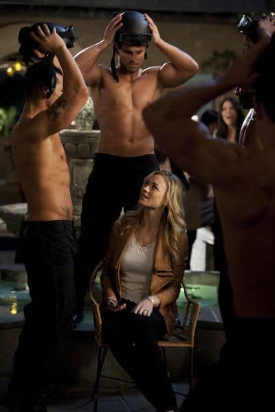 "CHUCK -- ""Chuck Vs. Agent X"" Episode 422 -- Pictured: (center) Yvonne Strahovski as Sarah Walker -- Photo by: Adam Rose/NBC"