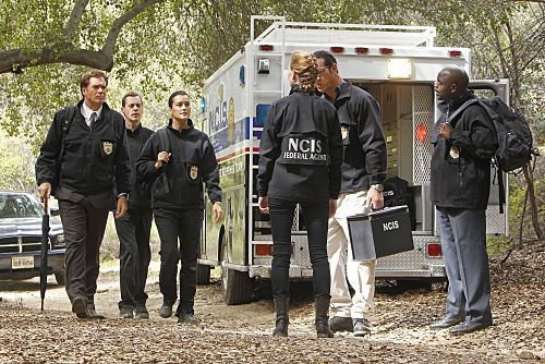 """""""Swan Song"""" -- After new evidence reveals that the Port-to-Port killer has infiltrated the agency, the NCIS teams chase every lead in a race to track him down, on NCIS, Tuesday, May 10 (8:00-9:00 PM, ET/PT) on the CBS Television Network.  Pictured left to right: Michael Weatherly, Sean Murray, Cote de Pablo, Sarah Jane Morris, Matthew Willig and Alimi Ballard Photo: Monty Brinton/CBS ©2011 CBS Broadcasting Inc. All Right Reserved."""