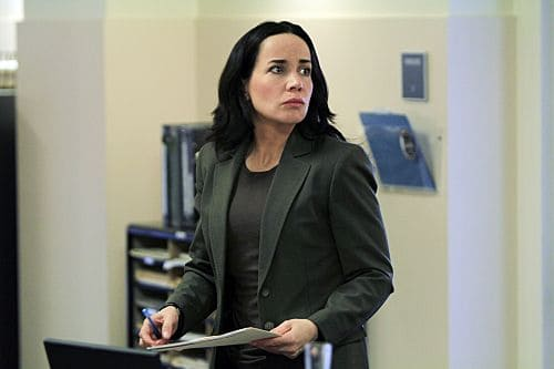 """Death by a Thousand Cuts"" -- Beth (Janeane Garafalo) and the red cell team  track a serial killer who is randomly shooting people in crowded areas, on the first season finale of CRIMINAL MINDS: SUSPECT BEHAVIOR, Wednesday, May 25 (10:00-11:00 PM, ET/PT) on the CBS Television Network. Photo: Matt Kennedy/ABC Studios ©2011 ABC Studios. All Right Reserved."