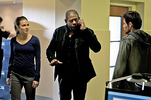 """Death by a Thousand Cuts"" -- Cooper (Forest Whitaker, center), Mick (Matt Ryan, right) and Gina (Beau Garrett)  track a serial killer who is randomly shooting people in crowded areas, on the first season finale of CRIMINAL MINDS: SUSPECT BEHAVIOR, Wednesday, May 25 (10:00-11:00 PM, ET/PT) on the CBS Television Network. Photo: Matt Kennedy/ABC Studios ©2011 ABC Studios. All Right Reserved."