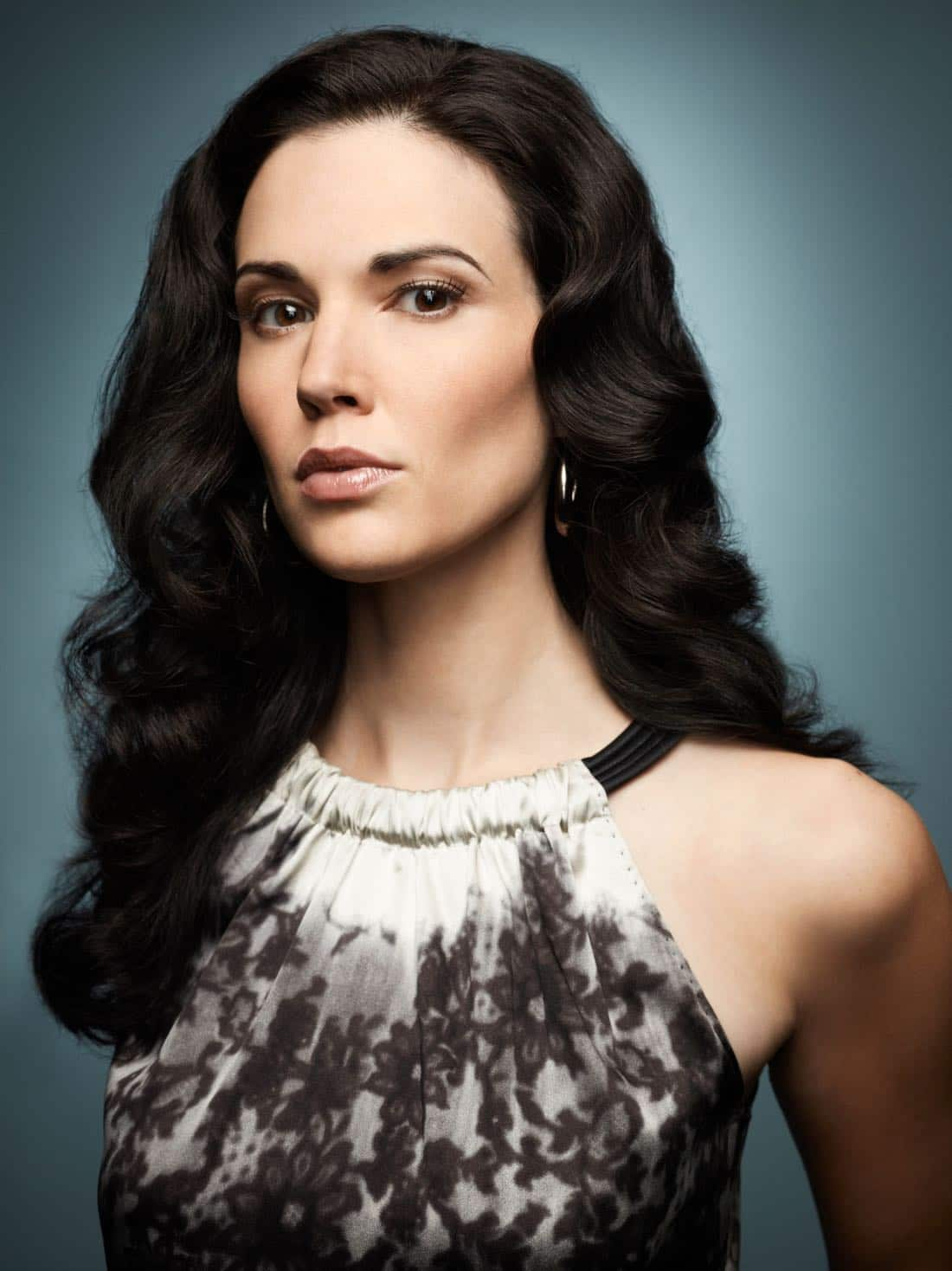 Laura Mennell as Nina Theroux Alphas Season 1 on Syfy
