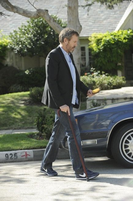 House_Season_7_Episode_23_Moving_On_11-681