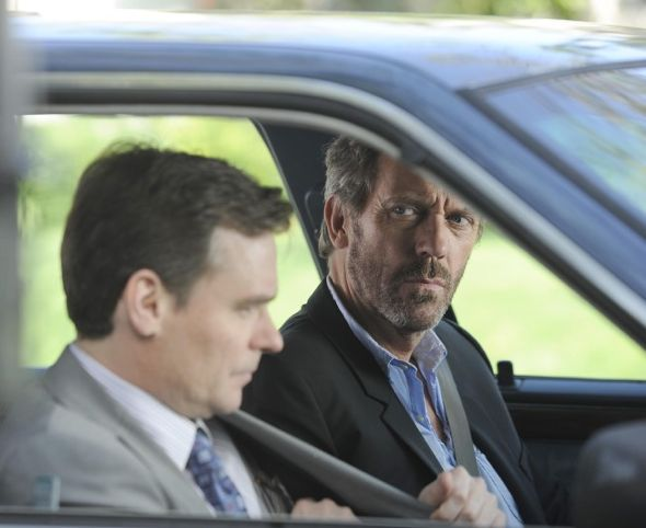 House_Season_7_Episode_23_Moving_On_6-675