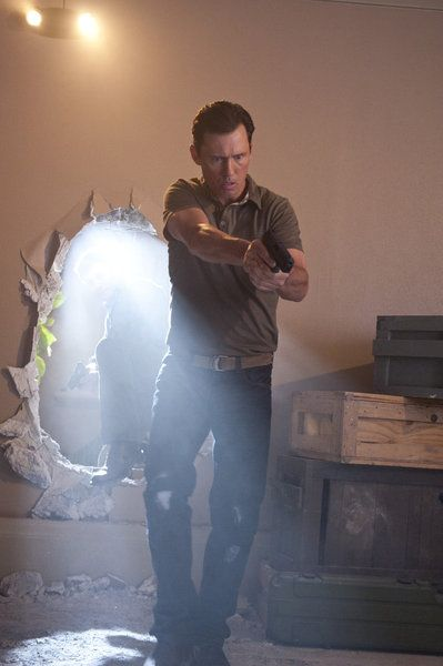 "BURN NOTICE -- ""Company Man"" -- Pictured: Jeffrey Donovan as Michael Westen -- Photo by: Virginia Sherwood/USA Network"