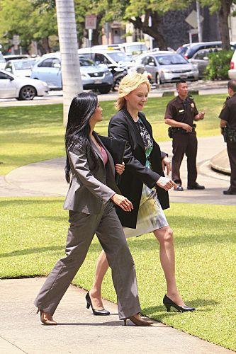 Hawaii Five 0 Season 1 Episode 24 Oiaio 7 416