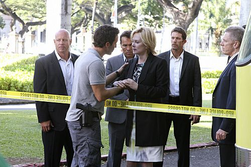 Hawaii Five 0 Season 1 Episode 24 Oiaio 10 419