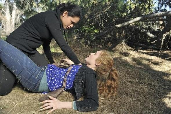 The Nine Lives Of Chloe King Season 1 Episode 1 12 1113