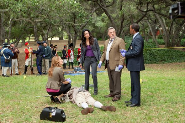 Rizzoli_And_Isles_Season_2_Episode_6_Rebel_Without_A_Pause-3010