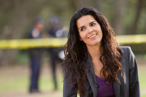 Rizzoli_And_Isles_Season_2_Episode_6_Rebel_Without_A_Pause_6-3007