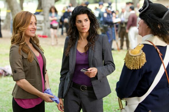 Rizzoli_And_Isles_Season_2_Episode_6_Rebel_Without_A_Pause_2-3003