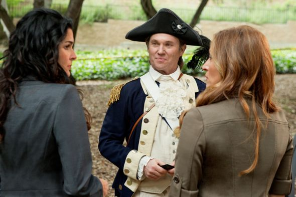 Rizzoli_And_Isles_Season_2_Episode_6_Rebel_Without_A_Pause_1-3002