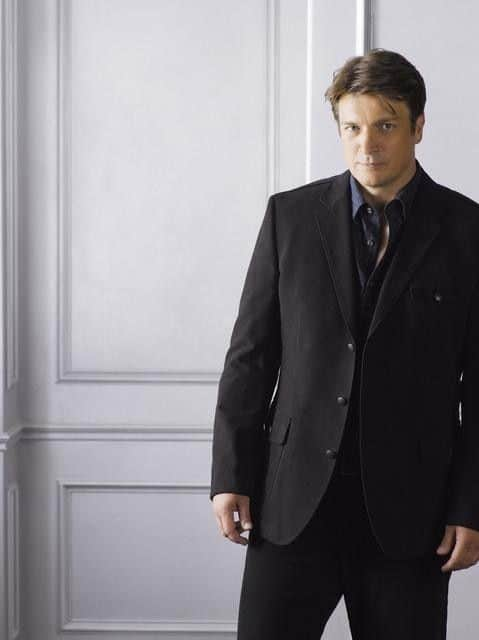 Nathan_Fillion_Castle-3197-590-700-80
