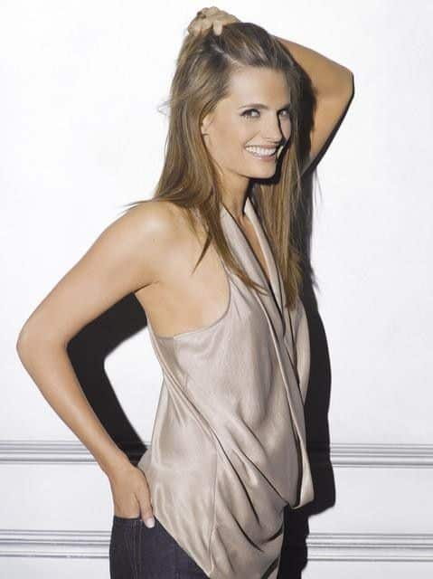 Stana_Katic_Castle-3200-590-700-80