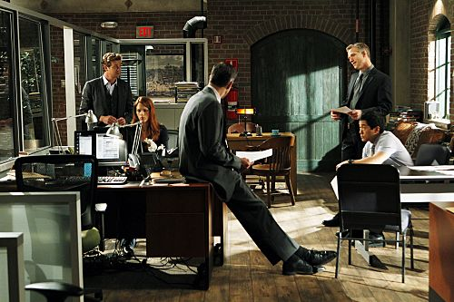 The_Mentalist_Season_4_Episode_2_Little_Red_Book_4-3567