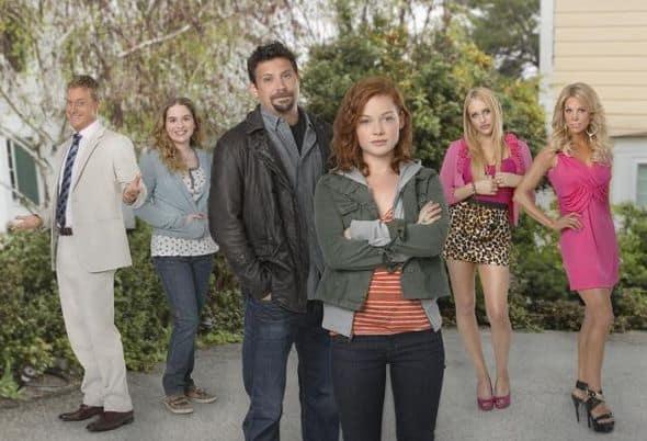 Suburgatory Cast Photo ABC 964