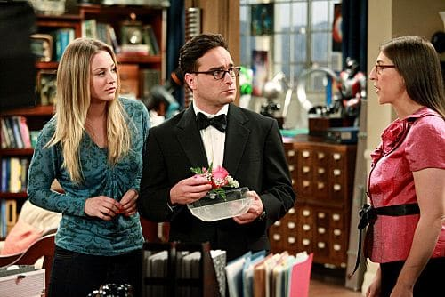 """""""The Pulled Groin Extrapolation"""" -- Sheldon and Penny (Kaley Cuoco, left) wonder how they'll get along when Leonard (Johnny Galecki, center) goes to a wedding as Amy's (Mayim Bialik, right) date.  Meanwhile, Howard and Bernadette spend the weekend with Mrs. Wolowitz, on THE BIG BANG THEORY, Thursday, Sept. 29 (8:00-8:31 PM, ET/PT) on the CBS Television Network. Photo: Richard Cartwright/CBS ©2011 CBS Broadcasting Inc. All Rights Reserved"""