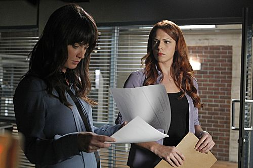 The_Mentalist_Season_4_Episode_8_Pinks_Tops_2-5520