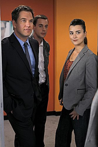 NCIS_Season_9_Episode_7_Devils_Triangle_3-5610