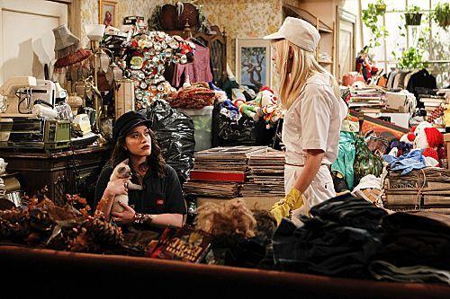 2 Broke Girls Season 1 Episode 8 And Hoarder Culture 4 6242 590 700 80