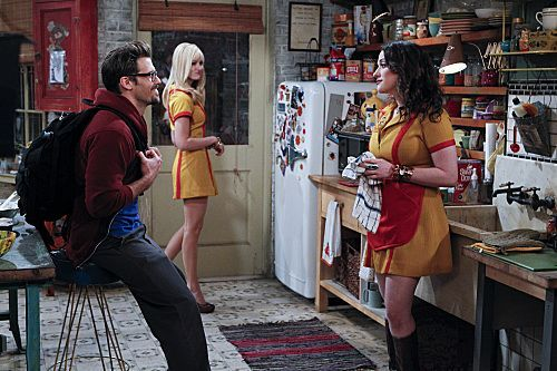 2 Broke Girls Season 1 Episode 8 And Hoarder Culture 5 6243 590 700 80