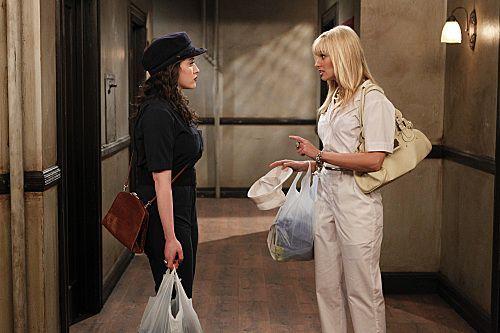 2 Broke Girls Season 1 Episode 8 And Hoarder Culture 6 6244 590 700 80
