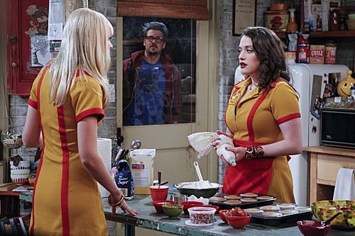2 Broke Girls Season 1 Episode 8 And Hoarder Culture 10 6248 590 700 80