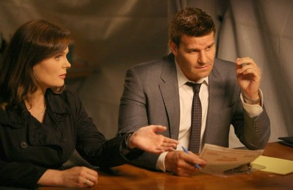 BONES Season 7 Episode 2 The Hot Dog In The Competition 3 5771 590 700 80