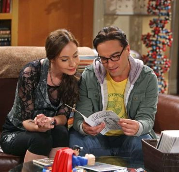 """The Good Guy Fluctuation"" -- A cute comic book artist (Courtney Ford, left) puts Leonard (Johnny Galecki, right) and Priya's relationship to the test, while Sheldon tries to scare the guys for Halloween, on THE BIG BANG THEORY, Thursday Oct. 27 (8:00 - 8:31 PM, ET/PT) on the CBS Television Network. Photo: Monty Brinton/CBS ©2011 CBS Broadcasting Inc. All Rights Reserved"
