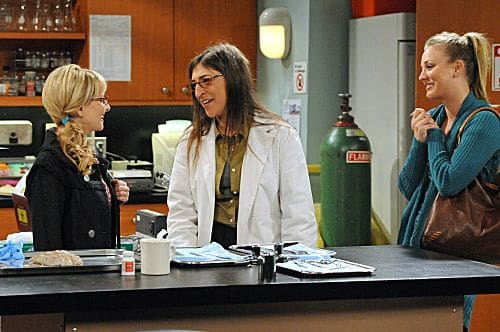 """The Isolation Permutation"" -- Amy (Mayim Bialik, center) is crushed when Bernadette (Melissa Rauch, left) and Penny (Kaley Cuoco, right) go shopping for wedding dresses without her, on THE BIG BANG THEORY, Thursday, Nov. 3 (8:00 - 8:31 PM, ET/PT) on the CBS Television Network.  Photo: Michael Yarish/Warner Bros.  ©2011 Warner Bros. Television. All Rights Reserved"