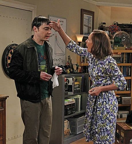 """The Rhinitis Revelation"" -- Sheldon (Jim Parsons, left) competes with Leonard  and the gang for his mother's (Laurie Metcalf, right) attention when she comes to visit, on THE BIG BANG THEORY, Thursday Oct. 20 (8:00 - 8:31 PM, ET/PT) on the CBS Television Network.   Photo: Sonja Flemming/CBS ©2011 CBS Broadcasting Inc. All Rights Reserved"