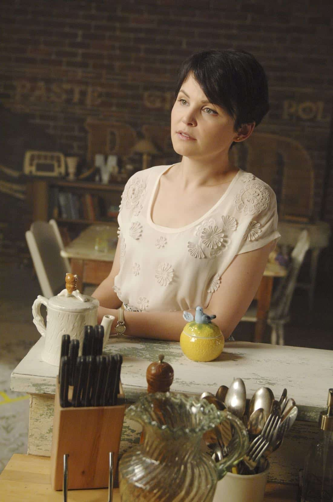 Once Upon A Time Episode 7 Season 1 The Heart Is A Lonely Hunter 02