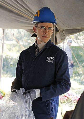 NCIS_Season_9_Episode_8_Engaged_Part_1_2-6008