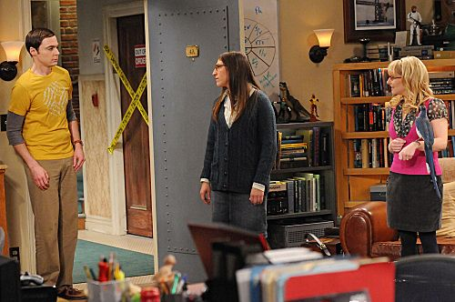 """The Ornithophobia Diffusion"" -- Amy (Mayim Bialik, center) and Bernadette (Melissa Rauch, right) try to help Sheldon (Jim Parsons, left) overcome his fear of birds, on THE BIG BANG THEORY, Thursday, Nov. 10 (8:00 - 8:31 PM, ET/PT) on the CBS Television Network. Photo: Michael Yarish/Warner Bros. © 2011 Warner Bros. Television. All Rights Reserved."