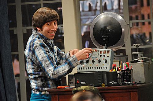 """The Ornithophobia Diffusion"" -- Wolowitz (Simon Helberg) tries to help Sheldon overcome his fear of birds, on THE BIG BANG THEORY, Thursday, Nov. 10 (8:00 - 8:31 PM, ET/PT) on the CBS Television Network. Photo: Michael Yarish/Warner Bros. © 2011 Warner Bros. Television. All Rights Reserved."