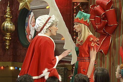 2 Broke Girls Season 1 Episode 10 And The Very Christmas Thanksgiving 4 6261 590 700 80