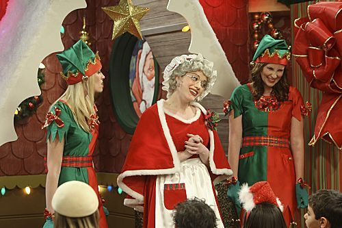 2 Broke Girls Season 1 Episode 10 And The Very Christmas Thanksgiving 6 6263 590 700 80
