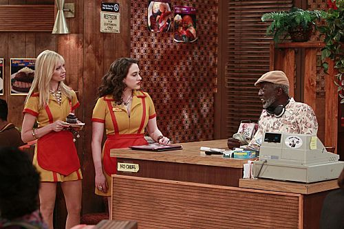 2 Broke Girls Season 1 Episode 9 And The Really Petty Cash 3 6251 590 700 80