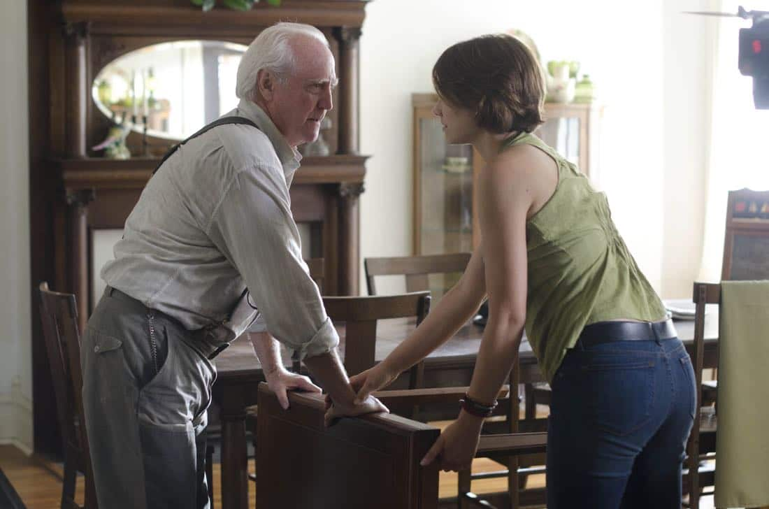 Hershel Greene (Scott Wilson) and Maggie Greene (Lauren Cohan) - The Walking Dead - Season 2, Episode 5