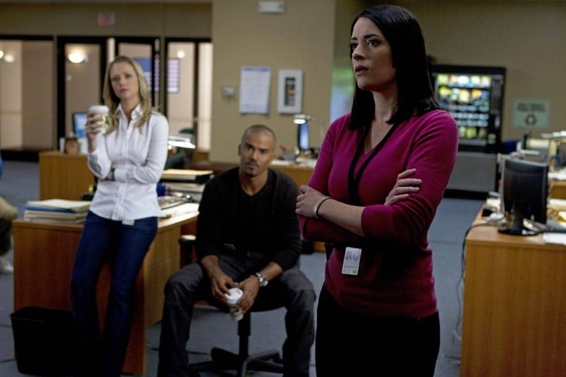 A Thin Line-- For Emily Prentiss (Paget Brewster, right), this latest case of home invasions and murders in California means the BAU team including Jennifer JJ Jareau (AJ Cook, left) and Derek Morgan (Shemar Moore) must figure out who and why, on CRIMINAL MINDS, Wednesday, February 22 (9:00-10:00 PM, ET/PT) on the CBS Television Network. Photo: Cliff Lipson/CBS ©2012 CBS Broadcasting Inc. All Rights Reserved.