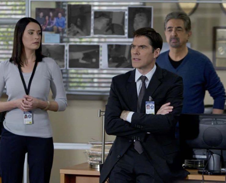 """A Thin Line""-- Emily Prentiss (Paget Brewster, left) and David Rossi (Joe Mantegna, rear) watch as Aaron Hotchner (Thomas Gibson, center) enlists the support of the local California Police Department in the inland empire over several home invasions and murders that requires the attention of all, on CRIMINAL MINDS, Wednesday, February 22 (9:00-10:00 PM, ET/PT) on the CBS Television Network. Photo: Cliff Lipson/CBS ©2012 CBS Broadcasting Inc. All Rights Reserved."