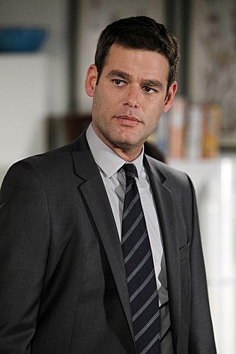 Ivan Sergei guest stars as FBI Agent Gabe Mancini The Mentalist