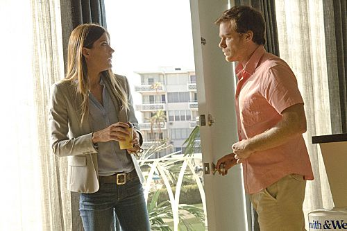 Jennifer Carpenter as Debora Morgan and Michael C. Hall as Dexter Morgan (Season 7, episode 1) - Photo: Randy Tepper/Showtime - Photo ID: dexter_701_2541