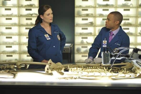 Bones Season 7 Episode 4 The Male In The Mail 6 6395 590 700 80
