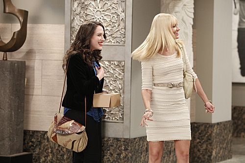 2 BROKE GIRLS Season 2 Episode 1 And The Pearl Necklace
