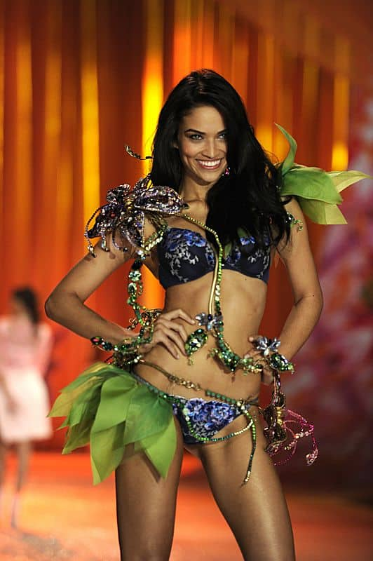 THE VICTORIA'S SECRET FASHION SHOW Adriana Lima