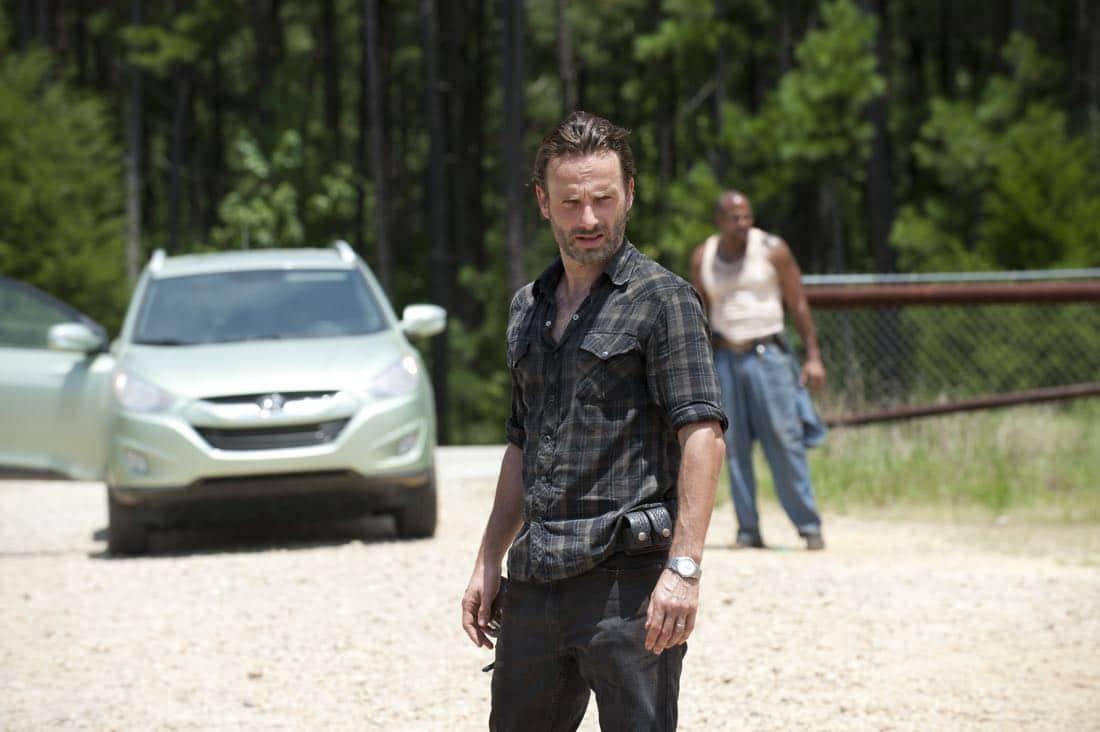 THE WALKING DEAD Season 3 Episode 7 When The Dead Come Knocking 07