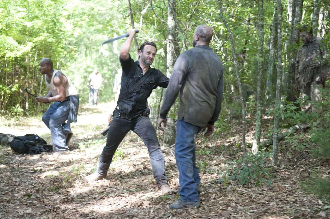 THE WALKING DEAD Season 3 Episode 7 When The Dead Come Knocking 03
