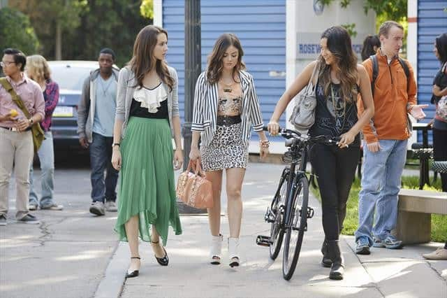 PRETTY LITTLE LIARS Season 3 Episoe 14 Shes Better Now 1